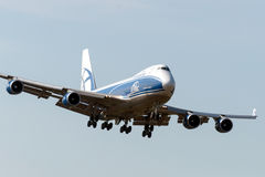 Boeing B747 sprutar ut flygplan Royaltyfri Foto