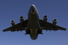 Boeing C-17 Globemaster III landend stockfotografie