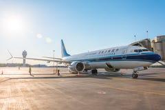 Boeing 737-8 Chine maximum du sud, aéroport Pulkovo, Russie St Petersburg 2 juin 2018 photos stock