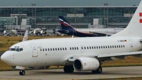 Boeing 737-7CNBBJ antes de la salida metrajes