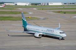 Boeing 737-800 d'American Airlines (aa) peint dans les vieilles couleurs de livrée des lignes aériennes de Piedmond Photo stock