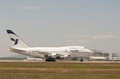 Boeing 747 decolla Fotografia Stock