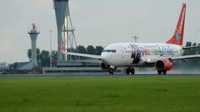 Boeing 737-804 del lanzamiento de las líneas aéreas de Corendon almacen de video