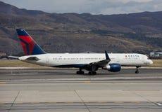 Boeing 757 - Delta Air Lines Arkivfoton