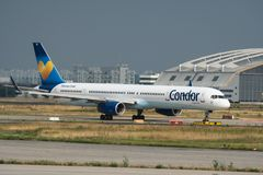 Boeing 757-300 des lignes aériennes de condor Photographie stock libre de droits