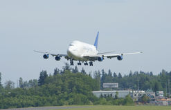 Boeing Dreamlifter Landing Royalty Free Stock Images