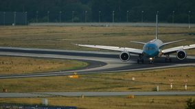 Boeing 787 Dreamliner de Vietnam Airlines después de llegado almacen de metraje de vídeo