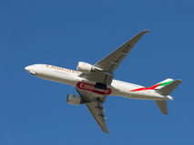 Boeing 777, emirater Royaltyfria Bilder