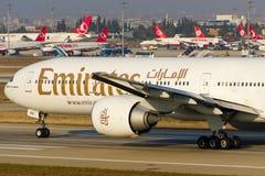 777 boeing emirates Royaltyfri Fotografi