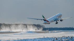 Boeing 777 emiratflygbolag Arkivbild