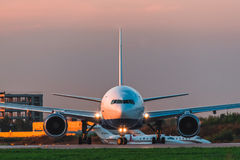 Boeing 777-200er Transaero Airlines take off the runway at the airport Stock Photography