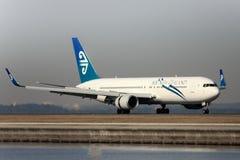 boeing för luft 767 ny landningsbana zealand Royaltyfria Foton