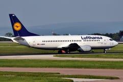 boeing för trafikflygplan 737 commercial lufthansa Arkivbild
