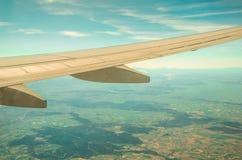 Boeing-Flügel über den Wolken Lizenzfreies Stockbild