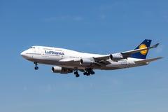 Boeing 747-400 flygplan av det Lufthansa flygbolaget Royaltyfri Bild