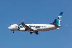 Boeing 737-800 flygplan av EgyptAir Fotografering för Bildbyråer