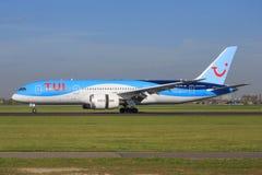 Boeing 787 från tui Arkivfoto