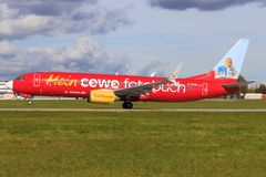 Boeing 737 från Tui Royaltyfri Fotografi