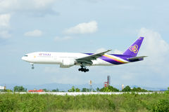 Boeing 777-200 HS-TJA of Thaiairway Stock Photo