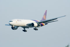Boeing 777-200 HS-TJC of Thaiairway Stock Photo