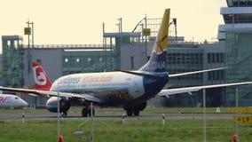 Boeing 737-8HX de Sun expresa el carreteo almacen de metraje de vídeo