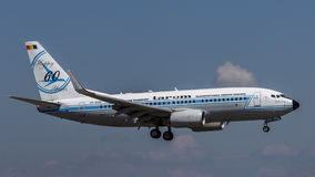 Boeing 737-700 jaar-BGG van TAROM royalty-vrije stock afbeeldingen