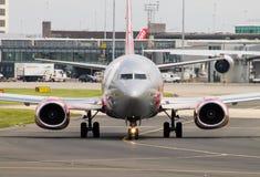 737 boeing jet2 Arkivbild
