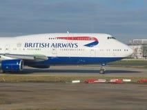 Boeing 747 jumbo av den brittiska Aurwaysen Royaltyfri Fotografi