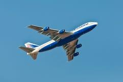 Boeing 747-200 lignes aériennes de Transaero décolle du Sharm el Sheikh Photographie stock