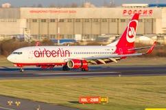 Boeing 737 linhas aéreas de Air Berlin, aeroporto Pulkovo, Rússia St Petersburg setembro de 2014 Imagens de Stock