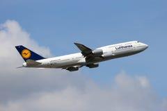 747 boeing lufthansa Royaltyfri Foto