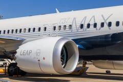 Boeing 737 max con el motor del salto imágenes de archivo libres de regalías