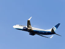 Boeing 737-83N W Alrosa-Avia Imágenes de archivo libres de regalías