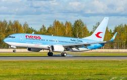 Boeing 737 Neos-Fluglinien, Flughafen Pulkovo, Russland St Petersburg im Oktober 2015 Stockbilder