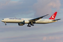 Boeing 777 nivå Arkivfoto