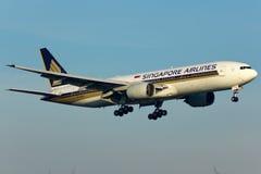 Boeing 777 nivå Fotografering för Bildbyråer