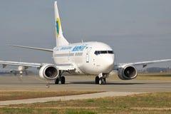 Boeing 737 no taxiway Imagens de Stock