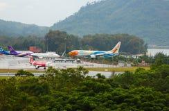 Boeing 737 Nokair llega el aeropuerto fotos de archivo