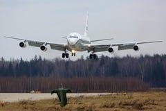 Boeing Oc-135W 61-2670 των ανοιχτών ουρανών Ηνωμένης Πολεμικής Αεροπορίας προσγειώνομαι στη βάση Πολεμικής Αεροπορίας Kubinka Στοκ Εικόνες