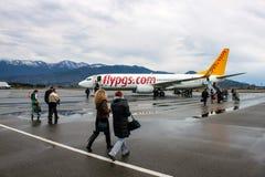 Boeing 737-800 Pegasus Airlines w Batumi Fotografia Royalty Free