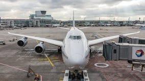 Boeing 747 prêt pour le recul à l'aéroport de Francfort photos libres de droits