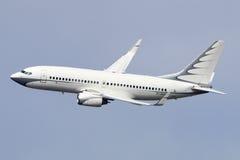 Boeing privé 737 BBJ M-URUS fait le tour final pour débarquer à l'aéroport international de Vnukovo Image libre de droits