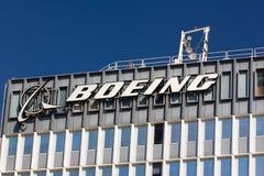 Boeing-Produktionsanlage und Logo Stockbilder