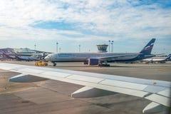 Boeing 777-300 Russische Luchtvaartlijnen van Aeroflot Rusland, luchthaven Sheremetyevo 20 April 2018 Stock Foto's