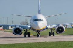 737 boeing ryanair Arkivbild
