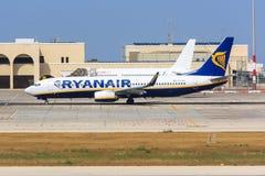 737 boeing ryanair Royaltyfri Foto