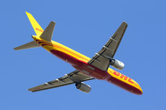 Boeing 757 after take off Royalty Free Stock Photography