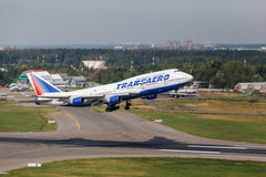 Boeing 747 take off from runway Royalty Free Stock Photo
