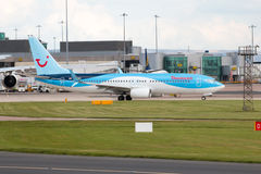 737 boeing thomson Royaltyfri Foto
