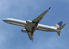 Boeing 737-800 United Airlines. Taking off Montego Bay Jamaica Royalty Free Stock Image